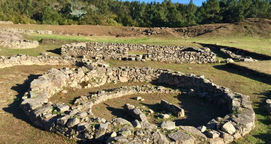 Arqueología De Cuntis, Castrolandín