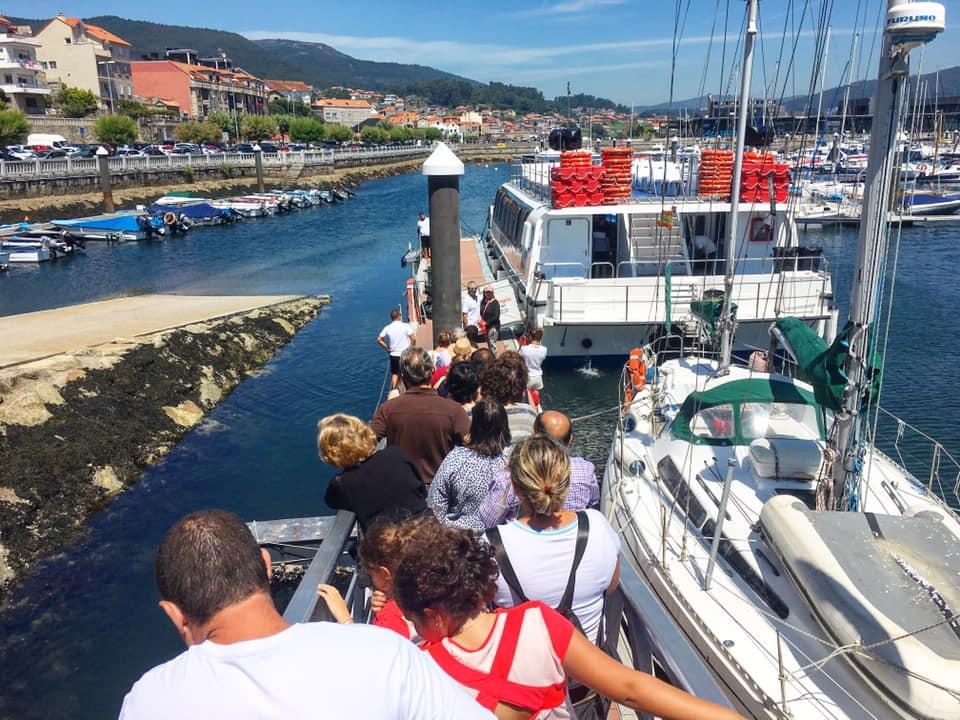 Barco Mejillones Combarro Guíate Galicia